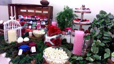 mesa dulce de golosinas y chocolates