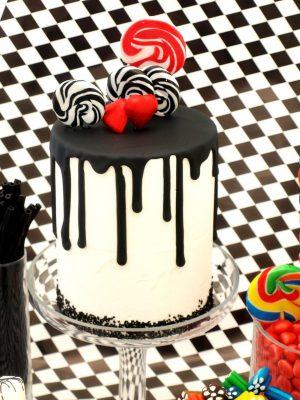 tarta drip cake en colores brillantes