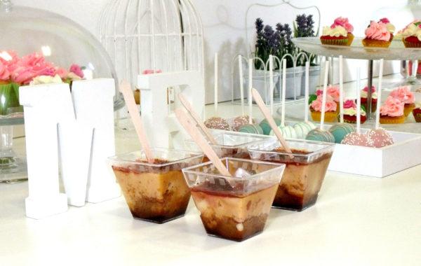 Vasitos de plastico con pastel de queso individual