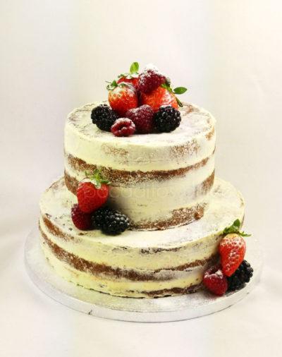 Tarta semidesnuda decorada con frutos rojos ideal para el dia de tu boda.