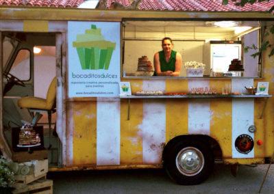 food truck con nuestros dulces para el desfile anual de Telva