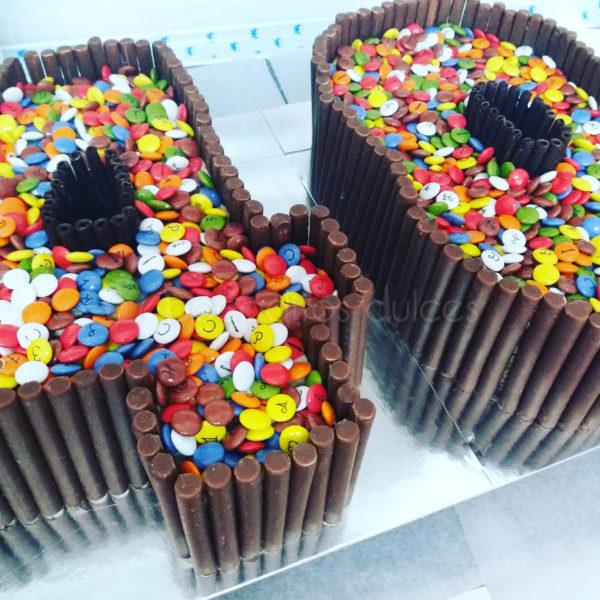 tarta lacasitos y chocolates número 40