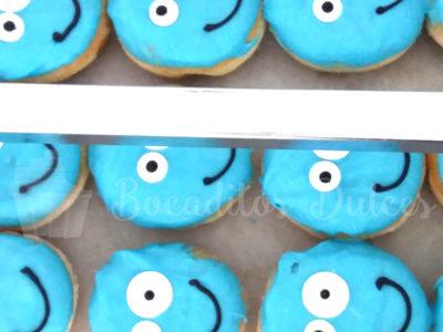 donuts personalizados con cara azul