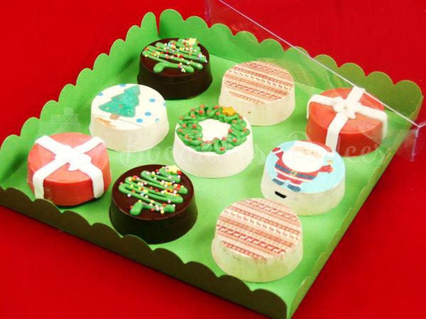 caja de 9 oreos recubiertas con decoración navideña