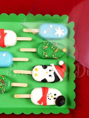 cake pop en forma de paleta con decoracion navideña