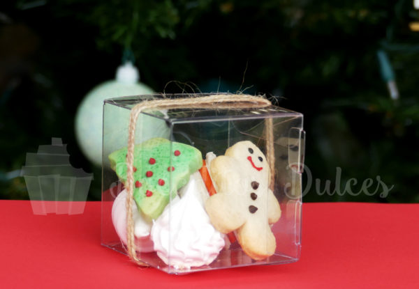 cajita transparente con distintos dulces navideños tamaño mini