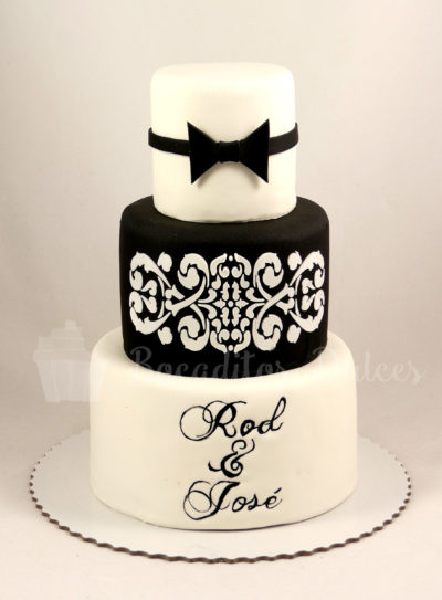 tarta de boda blanco y negro con pajarita