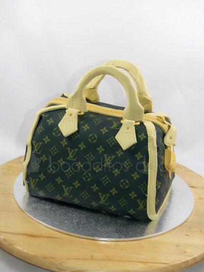 tarta con forma de bolso de Louise vuitton