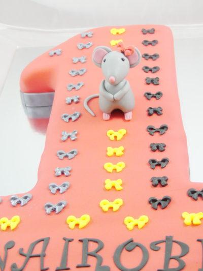 tarta de cumple nº 1 con decoración y figura de ratón