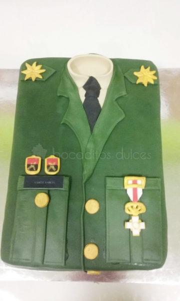 tarta chaqueta militar con galones