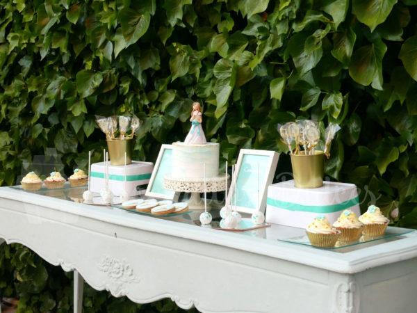 montaje de mesa dulce de comunión