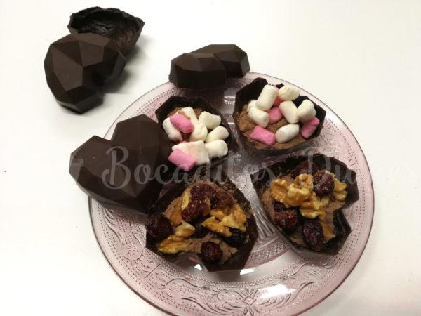 interior del corazón de chocolate para hacer chocolate caliente