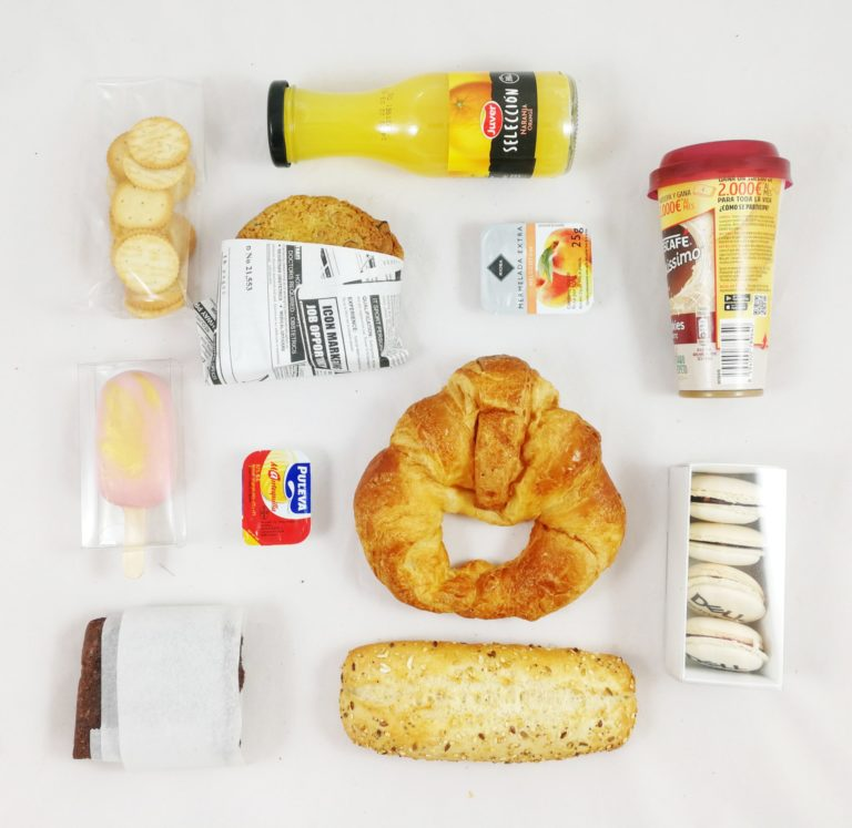desayuno continental con dulces artesanos