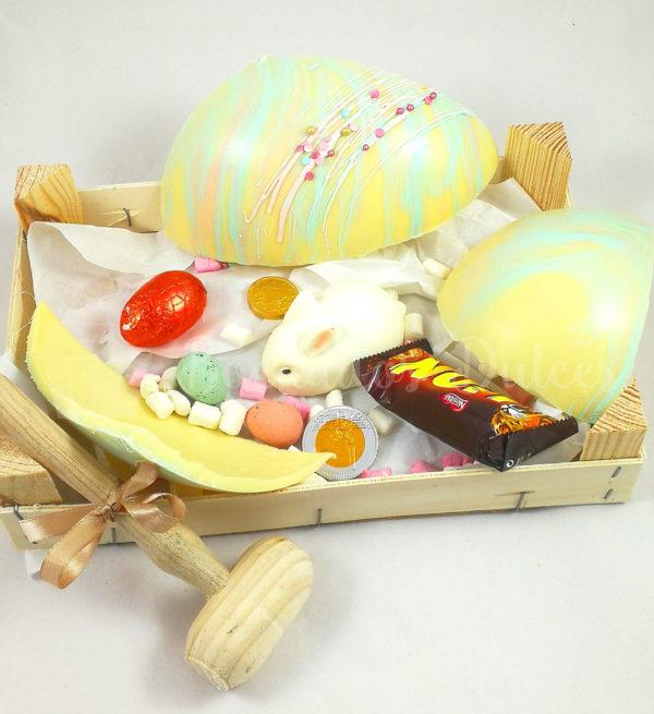 huevo de chocolate blanco piñata abierto
