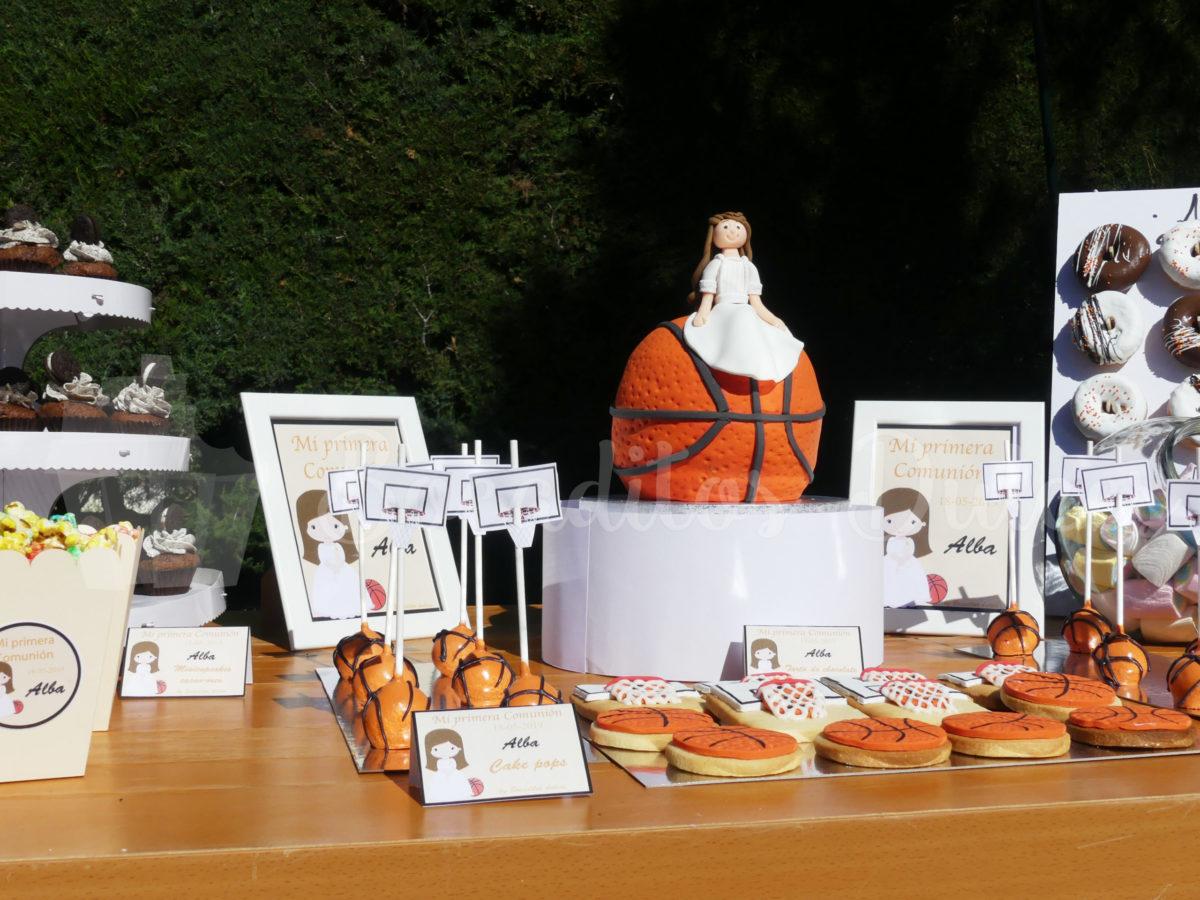 mesa dulce de comunión con temática baloncesto